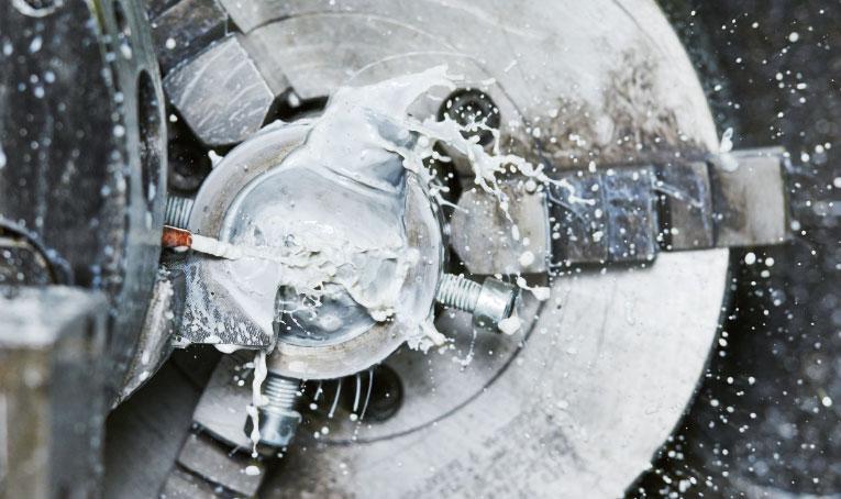 Bild Kühlschmierstoff im Einsatz in der Zerspanung, Master Fluid Solutions, OLEA
