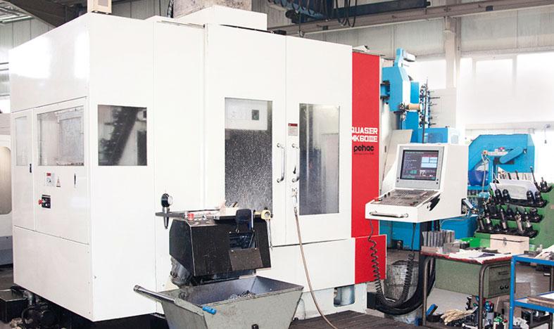 Bearbeitungszentrumbefüllt mit Master Fluid Solutions TRIM Microsol 519