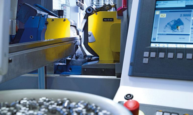 Spitzenlos-Schleifmaschine | Fertigung mit E715