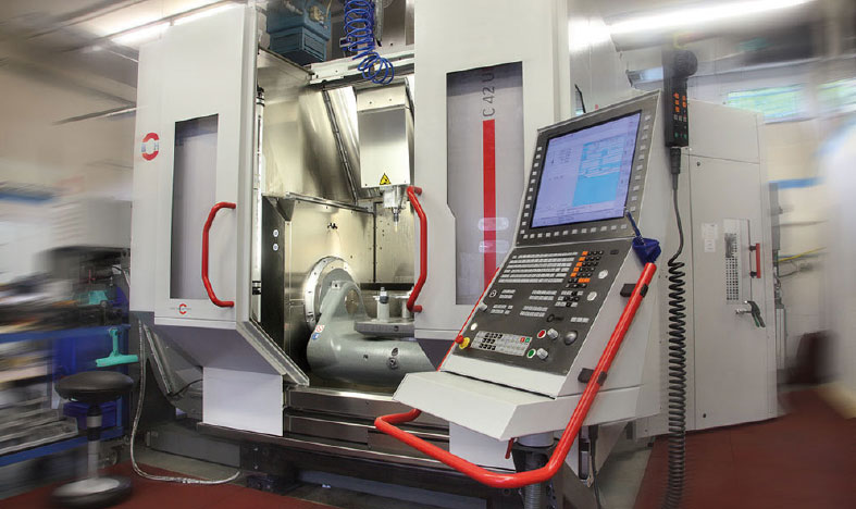 Bearbeitungszentrum von Hermle befüllt mit Master Fluid Solutions TRIM Microsol 519